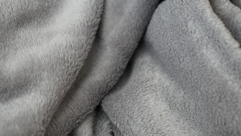 5 Best Weighted Blankets In Canada