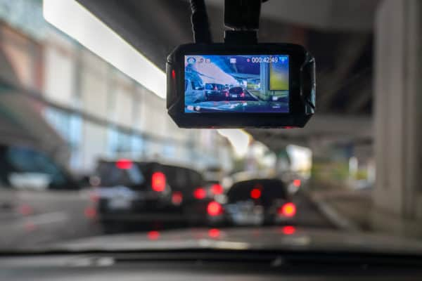 10 Best Dash Cams In Canada 2020 – Review & Guide