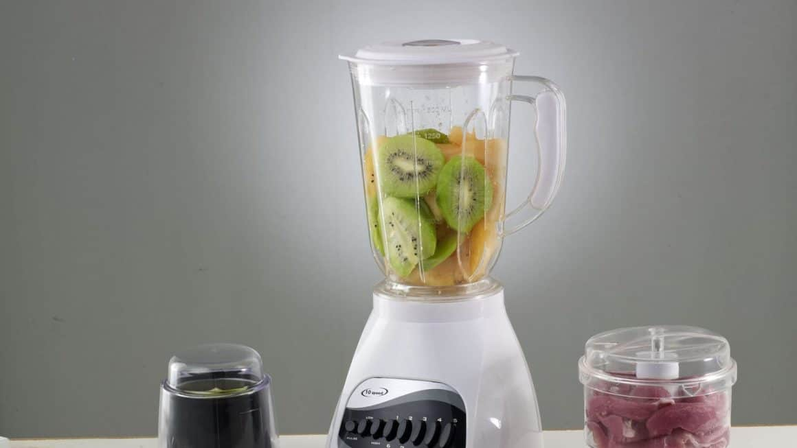 5 Best Food Processors In Canada 2019 – Review & Guide