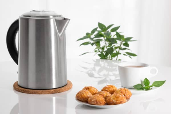 The Best Electric Kettles In Canada 2021 – Review & Guide