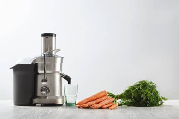 7 Best Juicers In Canada 2020 – Review & Guide