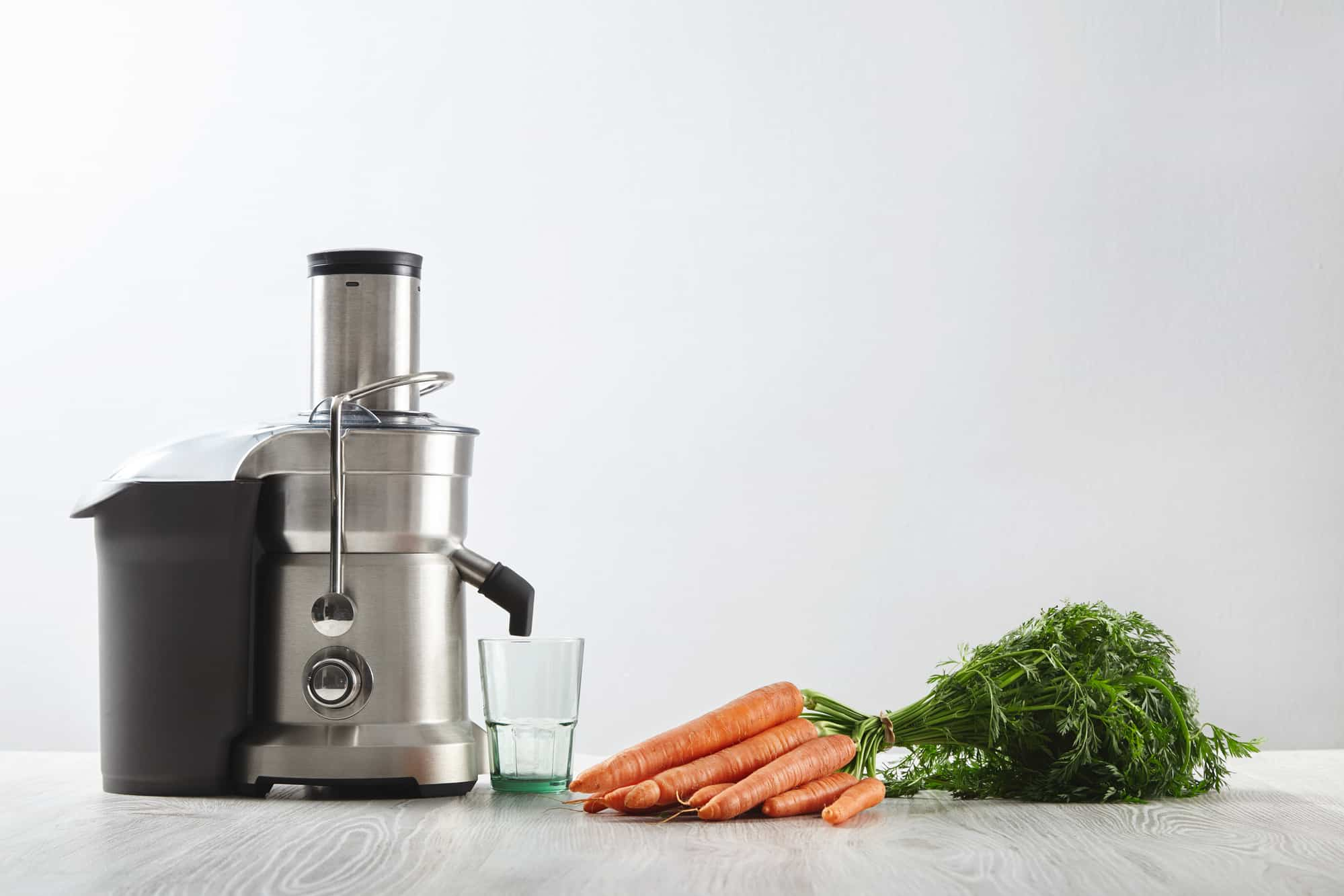 7 Best Juicers In Canada 2020 Review & Guide