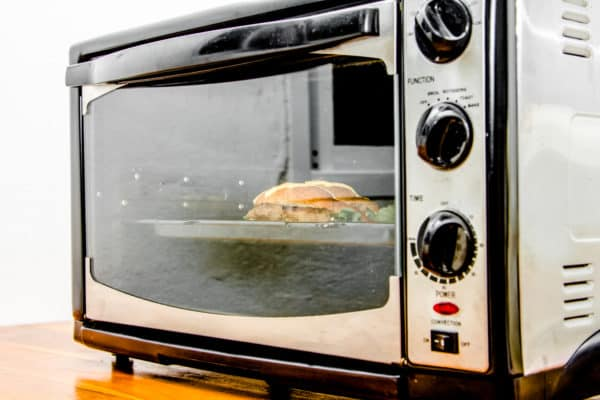 8 Best Toaster Ovens In Canada 2020 – Review & Guide