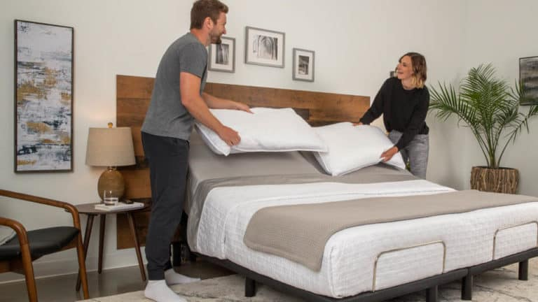 5 Best Adjustable Beds In Canada - Review & Guide