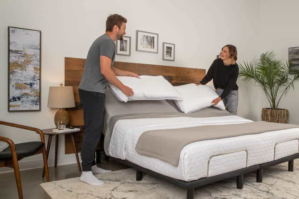5 Best Adjustable Beds In Canada 2020 – Review & Guide