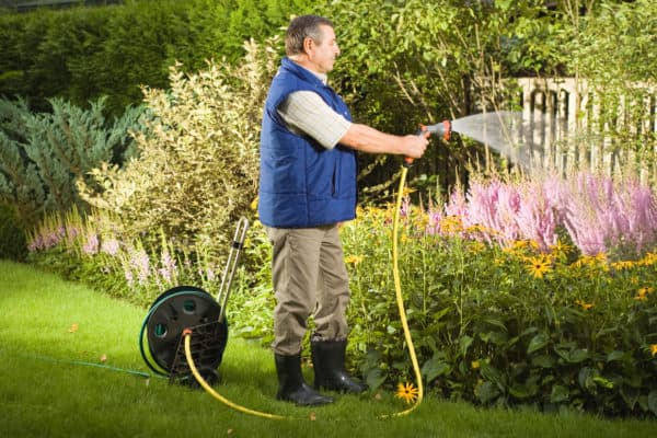 10 Best Garden Hoses In Canada 2020 – Review & Guide