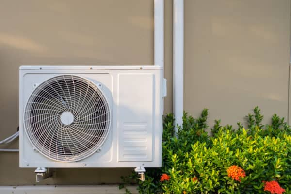 8 Best Window Air Conditioners In Canada 2020 – Review & Guide