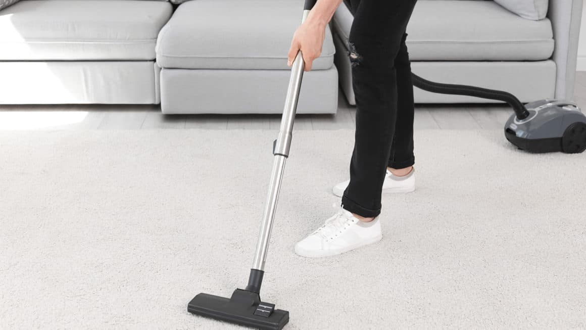 The Best Vacuum Cleaners In Canada 2021 – Review & Guide