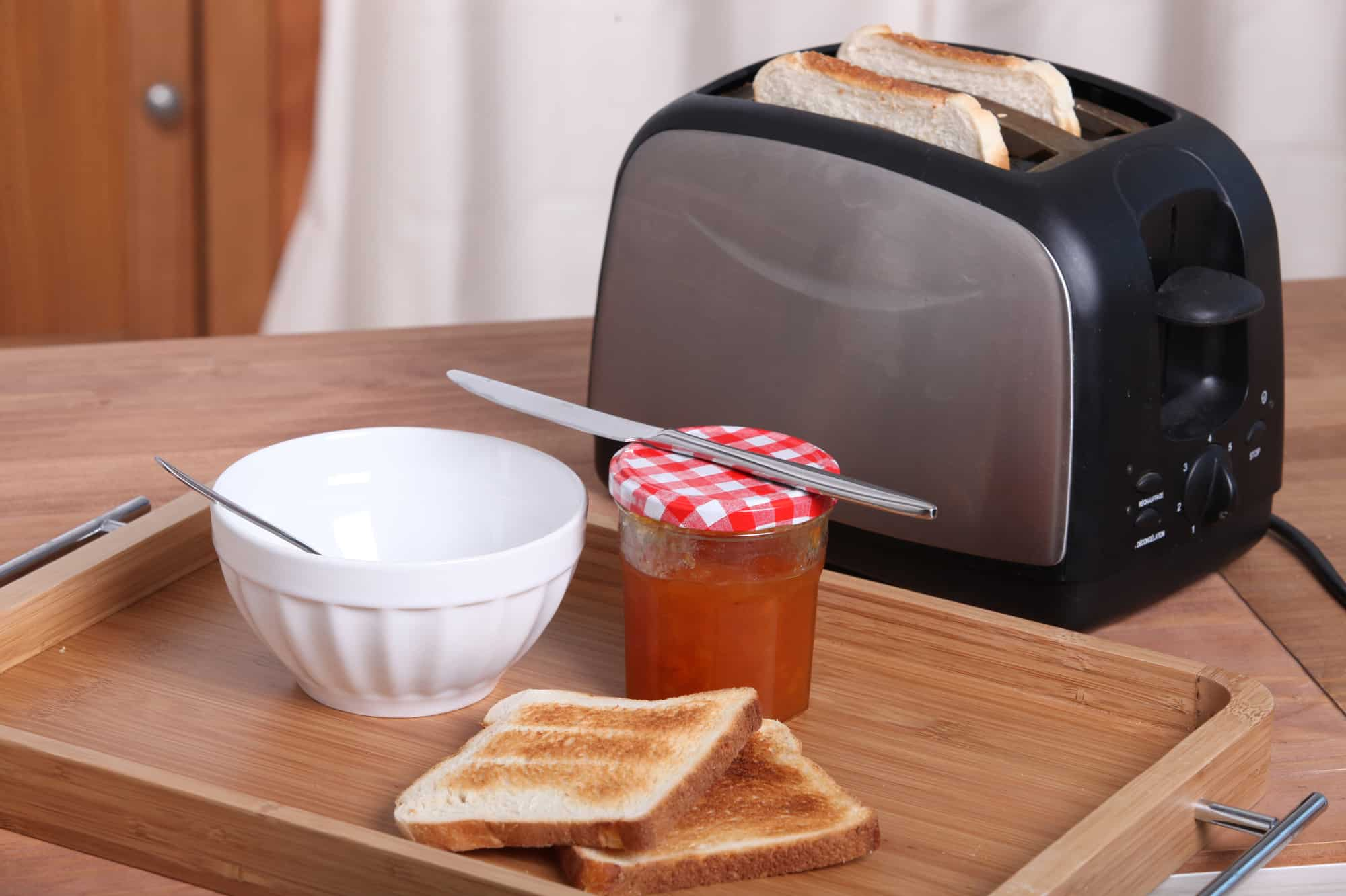 What Are Some Notable Aspects To Consider Before Buying A Toaster?