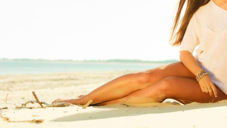 6 Best Self Tanners In Canada - Review & Guide