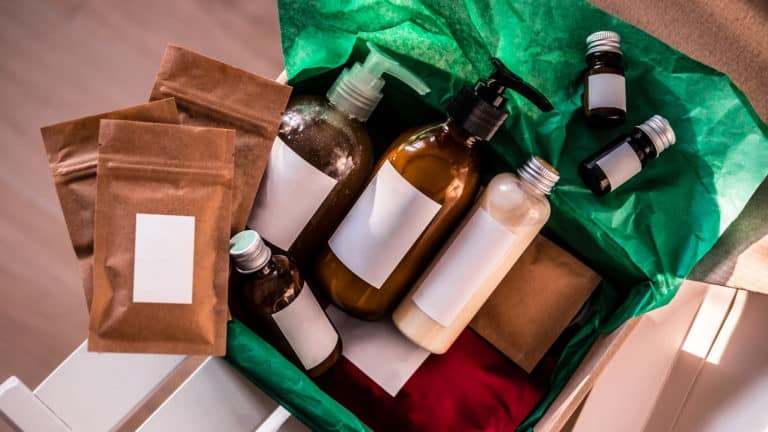 15 Best Subscription Boxes In Canada - Review & Guide
