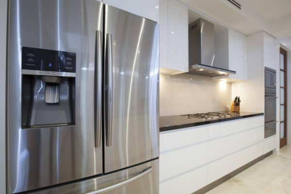 10 Best Refrigerators In Canada 2020 – Review & Guide