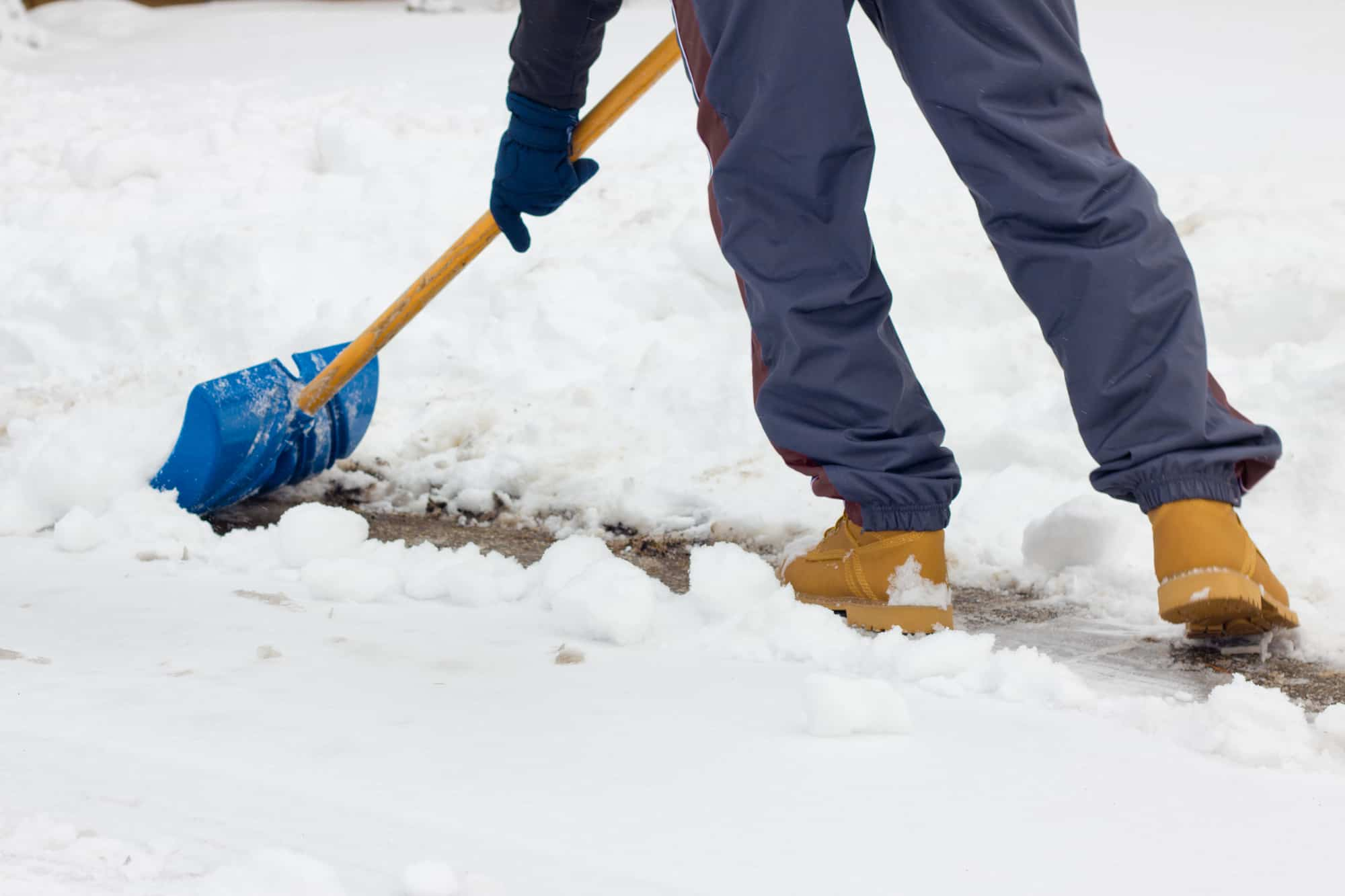 What To Consider When Buying A Snow Shovel