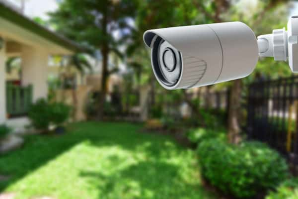 8 Best Outdoor Security Cameras In Canada 2021 – Review & Guide