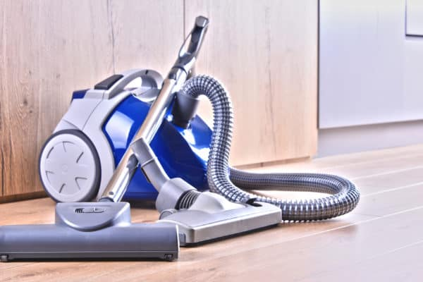10 Best Canister Vacuums In Canada 2021 – Review & Guide