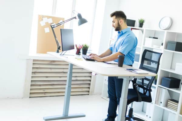 9 Best Standing Desks In Canada 2021 – Review & Guide