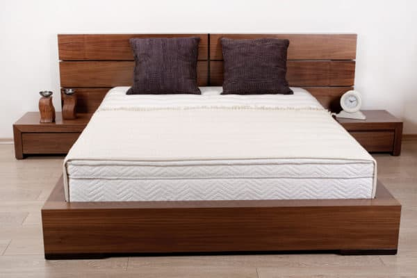 6 Best Natural Organic Mattresses In Canada 2021 – Review & Guide