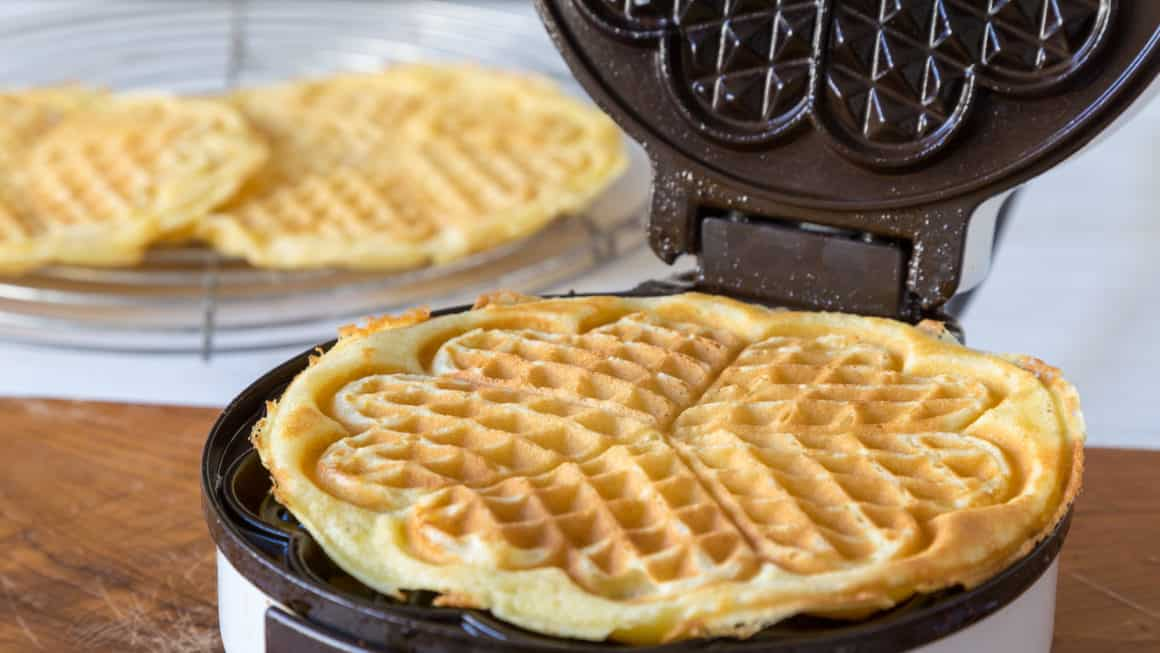 The Best Waffle Makers In Canada for 2021 – Review & Guide